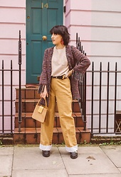 Weronika Bukowczan - Zara Wide Leg Camel Beige Trousers, Multicoloured Long Blazer With Tassels, Wool Beige Oversized T Shirt, Vintage Suede Beige Handbag - #BoughtAtBHF 2.0