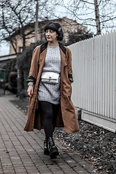 Weronika Bukowczan - Vintage Handmade Wool Mini Dress, Vintage Beige Trench Coat, Primark Silver Metallic Belt Bag, Asos Platform Punk Black Boots - Simple casual