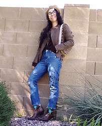 Saguaro Style - Lacoste Vintage Bag, Anthropologie Star Jeans, Justin Boots Rose Embroidered Cowboy - 02.20.20