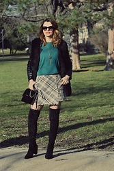 Butterfly Petty - Guess Bag, Zara Skirt, United Colors Of Benetton Blouse - Green