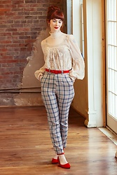 Bleu Avenue - Femme Luxe Finery Beige Tartan High Waisted Skinny Leg Trousers Percy, Forever 21 Lace Top - Beige Tartan Trousers