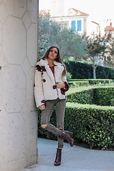 Jenny M - Forever 21 Cow Print Jacket, Zara Army Green Jeans, Aldo Snake Boots - @thehungarianbrunette // ANIMAL PRINT JACKETS