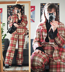 Siri ♧ - Starshinevintage (Etsy) Plaid Wool Suit, Wego Beret, Tokyo Bopper Bag, Toyko Bopper Bijoux Shoes, Monki Black Sheer Top - Vintage plaid wool suit