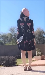 Saguaro Style - Anthropologie Embroidered Dress, Leafling Leaf Bag, Sandgrens Milan Clogs - 03.02.20