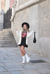 Claudia Villanueva - Asos Hat, Stradivarius Cardigan, Shein Bag, Lefties Sweatshirt, Yes Style Skirt, Yellow Shop Boots - I´m a Rolling Stone