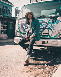 Raoul Wilke - Vintage Jacket, H&M Fidora, Urban Outfitters Pants, Urban Outfitters Socks - A Look Back