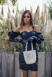 Jenny M - Femme Luxe Dress, Zara Gloves - @thehungarianbrunette // LEATHER PUFFS & PEARLS