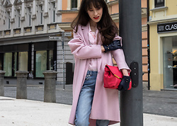 Veronika Lipar - Harris Wharf London Pink Wool Coat, Red Valentino Pink Ruffled Blouse, A.P.C. Blue Jeans - Casual Pink Transitional Outfit