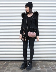 ♡Nelly Kitty♡ - Killstar Black Denim Faux Fur Jacket, Pimkie Pink Faux Fur Bag, Buffalo Platform Sneakers - OOTD#82