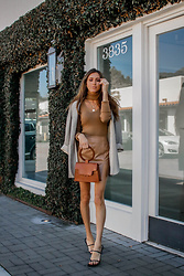 Jenny M - Forever 21 Turtleneck Top, Zara Sandals, Windsor Store Leather Skirt - @thehungarianbrunette // Neutral Edit #1