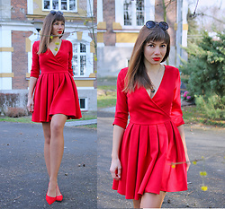 Jointy&Croissanty © - Talya Dress - Perfect red flared dress