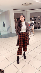 Ada Mae Parcon - New Look Black Leather Block Heel Sock Boots, Princess Highway Checkered Trousers, Zara Turtle Neck White Top, Debenhams Brown Coat, An A Necklace - A checkered lewk
