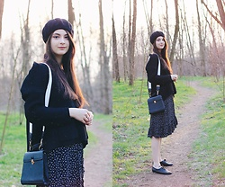 Nora Aradi - Bonprix Skirt, Yesstyle Bag, Stradivarius Beret - Back in the woods