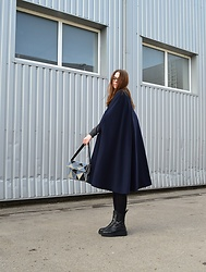 KRST VIEW - Vintage Poncho, Vintage Handmade Bag, Zara Boots, Massimo Dutti Turtleneck Sweater - Vintage Poncho
