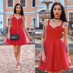 Katarzyna Klara Zaród - Talya Red Dress, Moschino Bag - ELLIE Talya.pl // Passenger - Let Her Go (Slowed Down)
