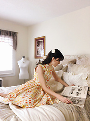 Carolina Pinglo -  - Reading at home