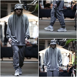 INWON LEE - Byther Gray Sweatshirt, Byther Gray Sweatpants, Byther Buckethat - Tuesday is Gray Sweats
