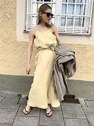 Anna Borisovna - Vintage Dress, Zara Sandals - The Linen Dress