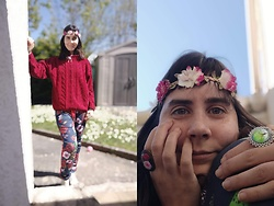 Lulu Longstocking - Second Hand Sweater, Adidas Second Hand Pants, Flower Crown, Independant Jewelry Maker Ring, Second Hand Necklace - Spring