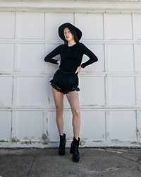Gi Shieh - Band Of Gypsies (Idk How Old)⁣ Black Lace Shorts, H&M (Super Old)⁣ Black Dress, Idk How Old Black Hat, Aldo, 2016 Black Platform Boots - Should we make All-black Fridays a thing?!
