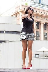 Lindsey Puls - Shein Shorts, Loungefly Bag - How to Style Patterned Shorts for Summer