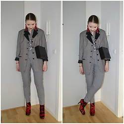 Mucha Lucha - Second Hand Blazer, Second Hand Shirt, Topshop Bag, Monki Trousers, Second Hand Boots - Red cow print boots