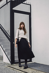 Andrea Funk / andysparkles.de -  - Oversized Sweater and Midi Skirt