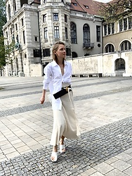 Anna Borisovna - Mos Mosh Shirt, Marni Belt, Ivy Oak Skirt, Céline Shoes - The Beige Skirt