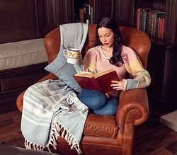 Lisa Valerie Morgan - Loveshackfancy Sweater, Mott & Bow Jeans, Serena & Lily Pillow, Serena & Lily Blanket - Quarantine Wish List