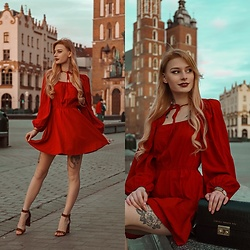 Katarzyna KOKA Konderak - Na Kd Dress - Red dress x Na-Kd