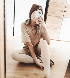 Vanessa ♡ - Carhartt, H&M, Puma - Beige and brown