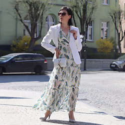 Minimalissmo .. - Valentino Bag Mario, Renee Printed Maxi Dress - Maxi + jacket = elegant summer set