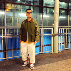 Mannix Lo - Online Shop Patchwork Flight Jacket, H&M Tee, Gu Loose Fit Cropped Pants, New Balance 997h Sneakers - Sometimes the heart cries, but eyes are dry