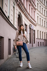 Andrea Funk / andysparkles.de -  - Cardigan and High Waist Jeans