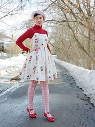 @_heyitsjules - Leur Getter Autumn Macaron Parfait Jsk, Emily Temple Cute Pink Chocolate Bar Tights, Bodyline Red Tea Party Shoes, Urban Planet Pink Beret - Sweets & Pastries
