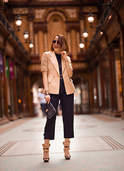 Virgit Canaz - Reiss Trousers, Alexander Macqueen Bag, Clave Wedges, Monki T Shirt, Trendlstr Short Sleeves Blazer - Minimal