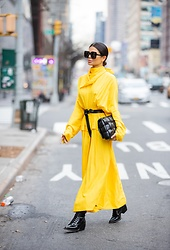 Victoria Barbara - Proenza Schouler Dress, Bottega Veneta Black Handbag, Saint Laurent Sunglasses, Chloé Boots - Daydreaming of NYFW 2020 | Victoria Barbara