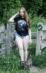 Batslover - Among Wolves Darkness T Shirt - Darkness