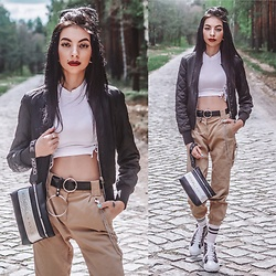 Katarzyna Klara Zaród - Zaful Crop Top, Bershka Jogger, Kendall&Kylie Bag, Bonprix Shoes - Swag lover 12.05