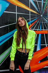 Jenny M - Shein Cropped Sweatshirt, Zara Jeans - IG: @thehungarianbrunette // THE NEON EDIT #2