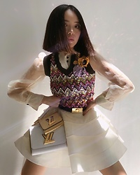 Willabelle Ong - Louis Vuitton Spring Summer 2020 Wool Knit Top, Louis Vuitton Ruffled Skort, Louis Vuitton Twist & Twisty Pm Bag In Epi Leather, Louis Vuitton Belt - Do The Twist