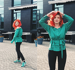 Vlada Kozachyshche - Mohito Blouse, Stradivarius Pants, New Balance Sneakers - Office style