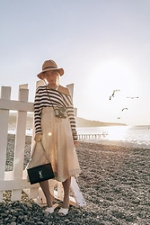 Joicy Muniz - Hat, Top, Ilse Jacobsen Skirt, Ysl Bag - The morning light