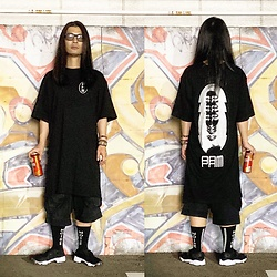 @KiD - P.A.M Long Tee, P.A.M Sweat Shorts, (K)Ollaps Noise Socks, Nike Air Lift, Typhoon Mart Sunglasses, Kirin Beer - JapaneseTrash561