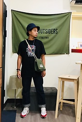 Yu-cheng Chen - Racer Oversized Shirts, Decathlon Navy 漁夫帽, Orslow 105 Standard, Nike Air Max 1 Retro - Fruits of life experience
