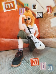 Min M - Vans Tee, Lazy Oaf Happy Sad Tote Bag, Coolway 90s Platform Sneakers - Poster girl