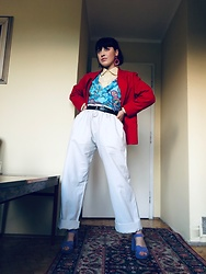 Weronika Bukowczan - Ivory Linen Pants, S.Oliver Silk Floral Ruffle Vest Top, Vintage Wool Red Blazer, Black Leather Belt, Primark Lilac Sandals, Raspberry Red Statement Earrings - Bright & Colourful | @vintageshadeson