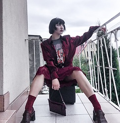 Weronika Bukowczan - Vintage Brown Leather Block Heel Sandals, Burgundy Glittery Socks, Burgundy Leather Hand Bag, Graphic Tee, Burgundy Shiny 80s Shirt, Burgundy Lacy Floral Midi Dress - IG: @vintageshadeson
