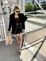Anna Borisovna - Blanche Blazer, Self Portrait Shorts, Mango Bag, Billi Bi Sandals - The Leather Short