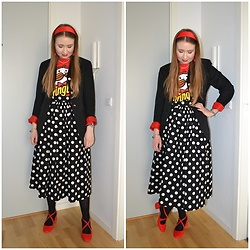 Mucha Lucha - H&M T Shirt, Second Hand Blazer, H&M Skirt, Anna Field Heels - Pringles and polka dots